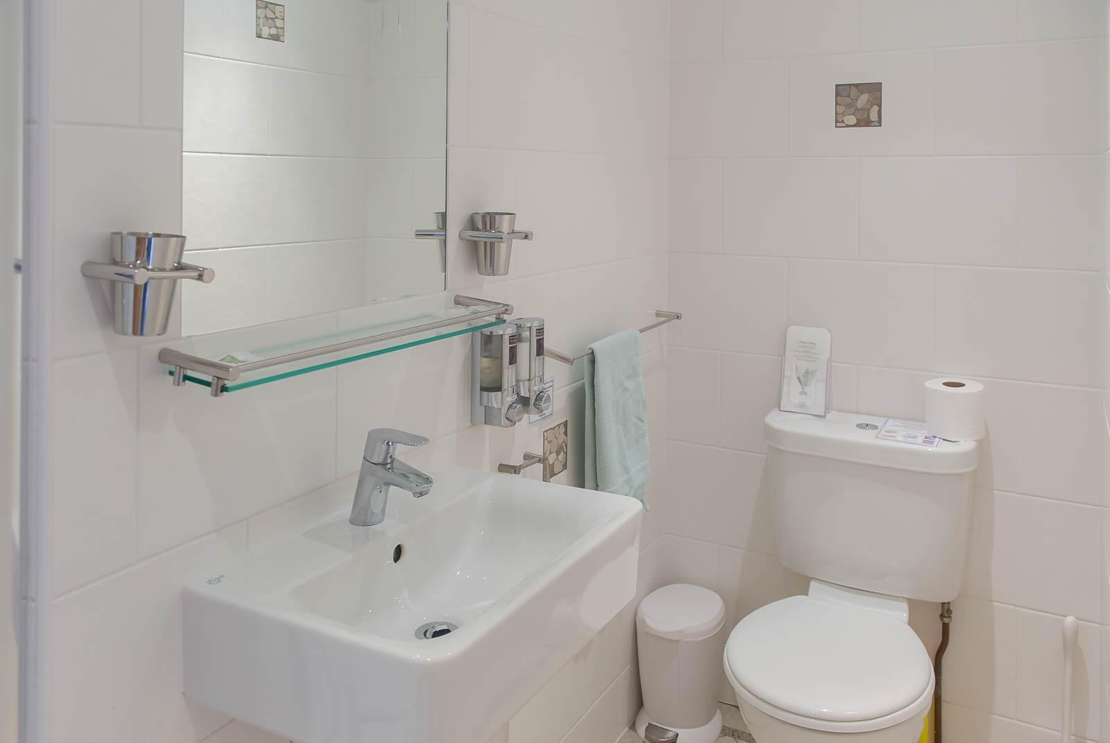 The Bluff Peregrines ensuite Bathroom